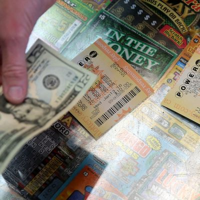 There's a combined $580 million in Powerball, Mega Millions jackpots — here are mistakes for winners to avoid