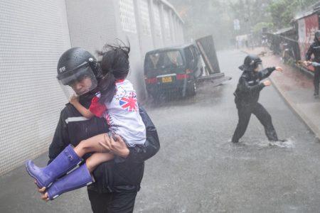 Typhoon Mangkhut Kills 2 in Southern China After Jolting Hong Kong