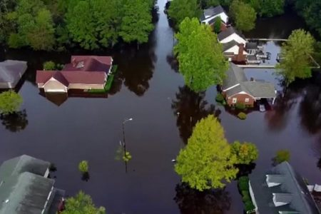 Carolinas still menaced by floodwaters as Trump tours Florence 'nightmare' aftermath