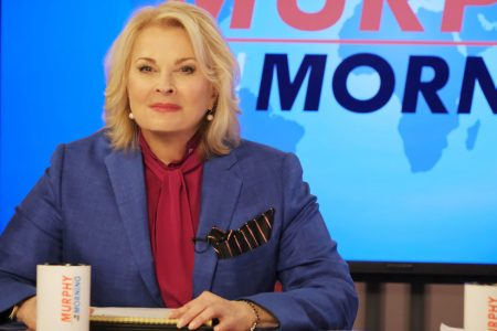 Review: 'Murphy Brown' Returns, Not for the Better