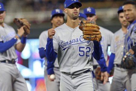Royals rookie Lopez loses perfect game and no-hit bid in 9th