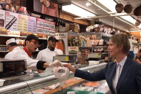 'Lox her up': Controversy swirls after Cynthia Nixon orders fish on cinnamon raisin bagel