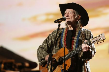 Willie Nelson's support for Beto O'Rourke sparks backlash: 'That smoke has finally got you!'