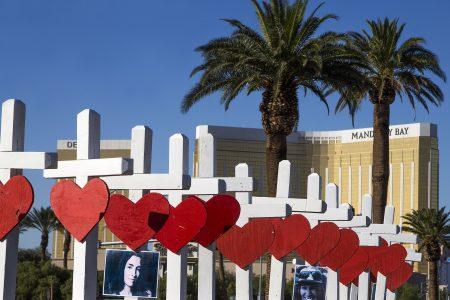 Las Vegas strip will go dark to honor shooting rampage victims