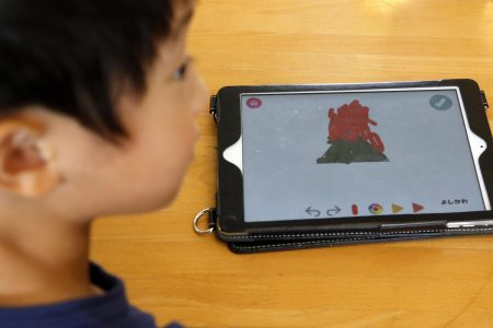 Two hours or less of screen time for children improves cognitive function, study shows
