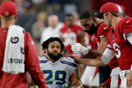 Seahawks' Earl Thomas Breaks Leg Amid Contract Negotiations