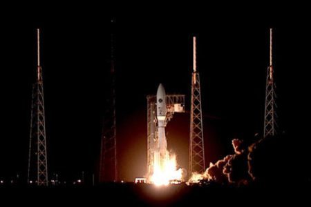 Atlas 5 rocket boosts $1.8 billion military satellite into space