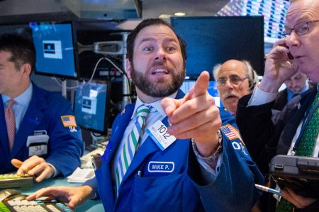 Dow surges more than 350 points as strong earnings help the market recover from last week's sell-off