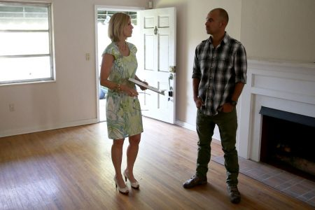 New home sales drop as spiking mortgage rates keep buyers on the sidelines