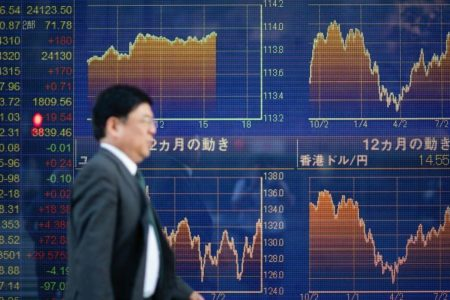 China stocks jump 2 percent following last Friday's rally