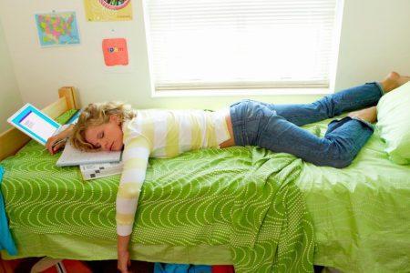 Less sleep associated with risky behavior in teens, study says