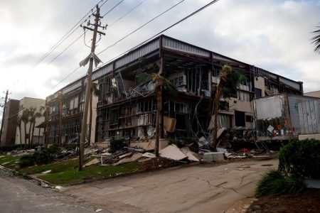 Hurricane Michael Live Updates: Desperate Scenes at Storm-Damaged Hospital