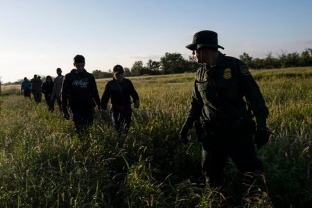 'Zero Tolerance' Immigration Policy Surprised Agencies, Report Finds