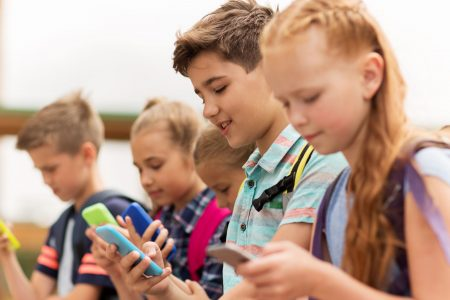 Study: Limiting kids' screen time improves brain function