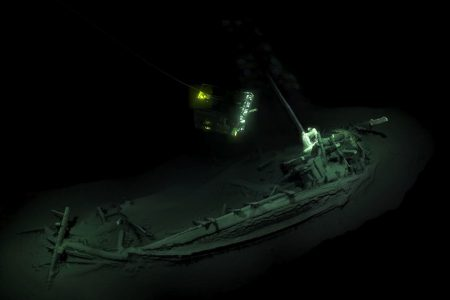 World's 'oldest shipwreck,' dating to more than 2400 years ago, found at bottom of Black Sea