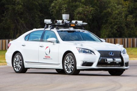Human controls like steering wheels and pedals may no longer be required for self-driving cars in US