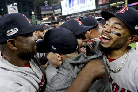 Cora: MVP favorite Betts could play 2B in World Series