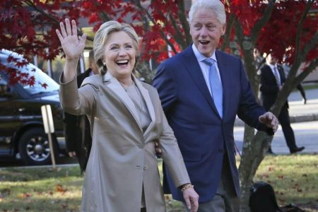 Bill and Hillary Clinton are going on an arena tour