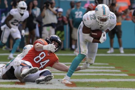 Patriots nip Chiefs in high-scoring thriller; Dolphins get past Bears in wild overtime game