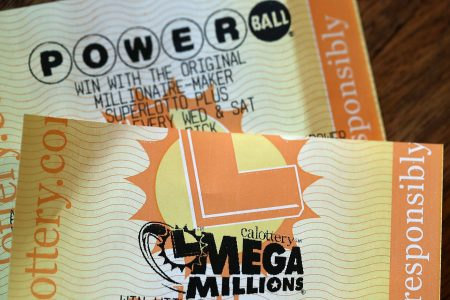 Lotteries offer $1B in jackpots as Mega Millions nears record