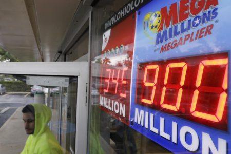 Mega Millions jackpot swells to record $900 million