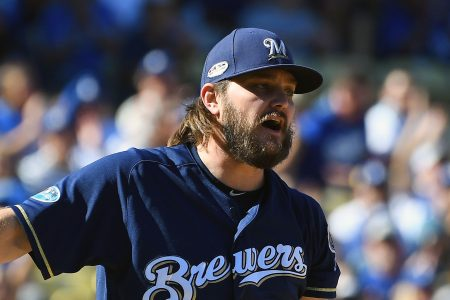 Brewers starter Wade Miley only pitches to one batter in NLCS Game 5