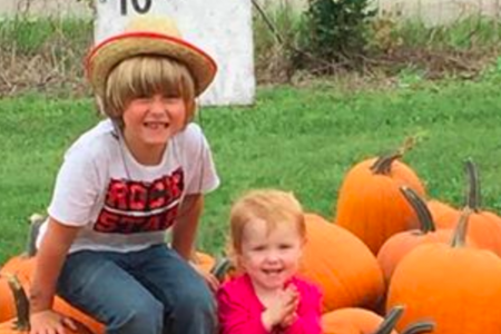 Diabetic kindergartener selling pumpkins to raise money for service dog