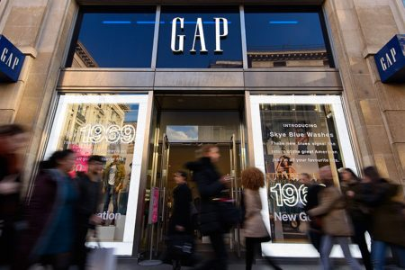 Gap looking to close hundreds of stores at malls 'quickly and aggressively'