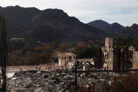 Americans Are Moving Closer to Nature, and Into Fire Zones