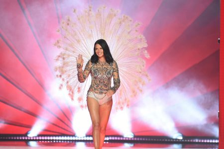 Adriana Lima's emotional final Victoria's Secret Fashion Show: 5 moments from the 2018 event