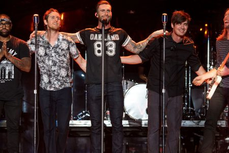 Petition asks Maroon 5 not to play Super Bowl halftime show to support Kaepernick