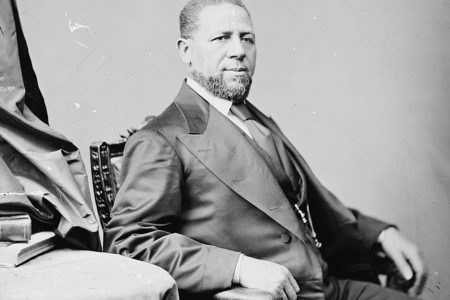 Mississippi's first black senator was greeted with applause. But it wouldn't last.