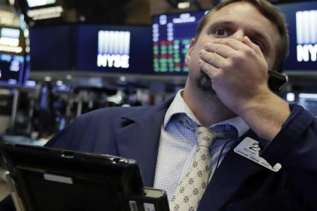 Dow closes down nearly 400 points as tech stocks tumble