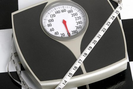 Low-carb diets may be best for keeping weight off, study finds