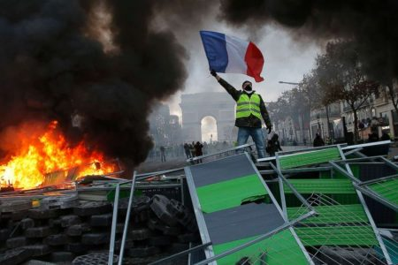 Paris burning: Protesters set streets on fire on 8th day of protests against rising fuel taxes
