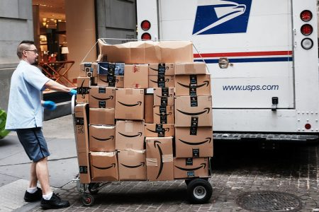 Trump Said Amazon Was Scamming the Post Office. His Administration Disagrees. – The New York Times