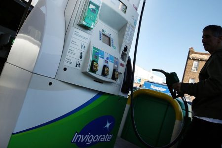 Here's why gas prices are falling, and why drivers shouldn't get too used to them – CNBC