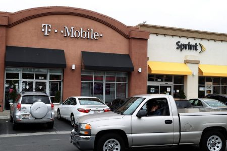 Sprint, T-Mobile Deal Gets Green Light From U.S. Regulators – The New York Times