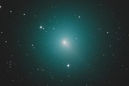 Comet 46P/Wirtanen, the brightest comet of the year, will fly by Earth in December – CBS News