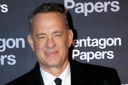 Tom Hanks Gets Into The Holiday Spirit And Buys Fans Lunch At In-N-Out – HuffPost