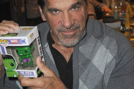 'Hulk' star Lou Ferrigno shares photo from the hospital after pneumonia shot gone awry – USA TODAY