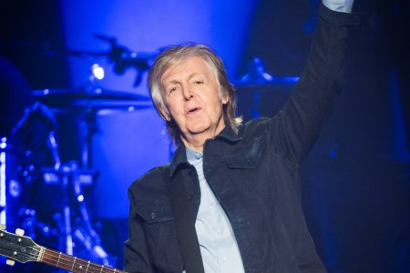 A Beatles mini-reunion! Ringo Starr, Ron Wood join Paul McCartney onstage in London – USA TODAY