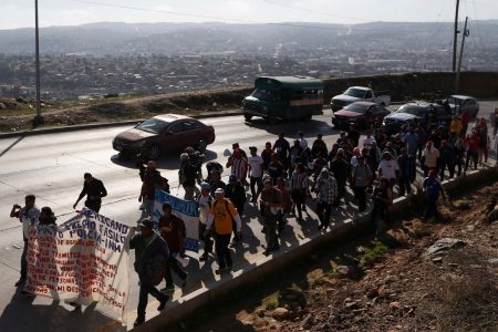 Migrant group demand Trump either let them in or pay them each $50G to turn around: report – Fox News