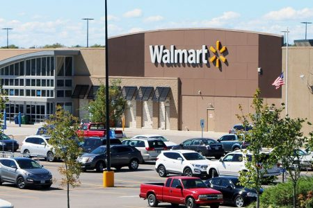 Walmart employee uses intercom to announce he's quitting: 'Nobody should work here – ever' – Fox News