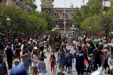 Disneyland Denies Misting Tower as Source of Legionnaires' Outbreak, Health Official Says Otherwise – Newsweek