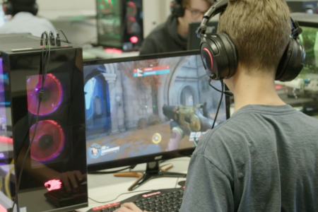Esports players burn out young as the grind takes mental, physical toll – CBS News