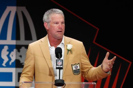 NFL legend Brett Favre, other celebrities tricked into taping video messages for anti-Semitic group – CBS News