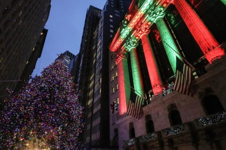 Stocks up: Dow soars more than 1,000 points, S&P 500 sees big gains, after a Christmas break – CBS News