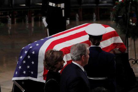 Former President George H.W. Bush lies in state — live updates – CBS News