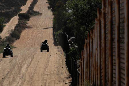 Veteran raising millions for Trump's border wall in GoFundMe campaign – CBS News